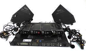 includes 4 tr 800 transmitters alp 450 antennas and case lot 313 rts telex radiocom btr 800 2 ch uhf synthesized wireless