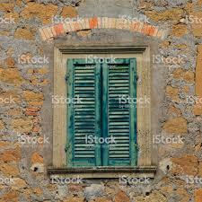Alte Holzfenster Mit Grünen Fensterläden Am Alten Stein Mediterranes