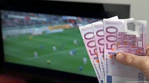 Coronavirus and online betting: A ′perfect storm′ for gambling addicts    Sports  German football and major international sports news   DW    14.04.2020