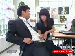 Office lady giving blowjob
