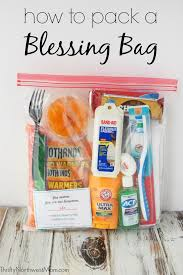 pack a blessing bag to give to people in need with free printable checklist encouragement