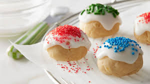 Want to get a jumpstart on holiday baking early this year? How To Make Christmas Cookies That Freeze Well Bettycrocker Com
