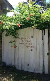 outdoor fence decor backyard fence decor diy backyard fence decorating ideas