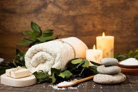 Serenity massage at salon lofts. Spa Arrangement Mit Handtuch Seife Und Salz Premium Foto