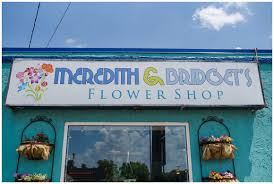 be sure to go visit the little turquoise flower on minnesota ave