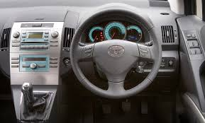 Toyota Corolla Verso (2004 - 2009) Driving & Performance   Parkers