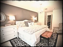 master bedroom decor. Modern Grey And White Nuance Of The Chic Master Bedroom Decorating Ideas That Has Cream Floor Decor
