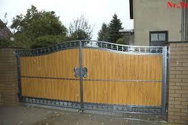 Viele sichtschutzzäune halten nicht nur blicke ab: Sichtschutzzaun Tor Mit Paneele Aus Polen Zaune Aus Polen