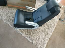 everything works fine game chair everybody everything works fine on it like brand new