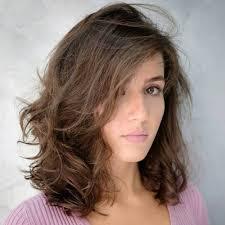 طريقة قص الشعر مدرج قصير للوجه الطويل الراقية