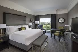 luxury grand deluxe king hotel room at the ballantyne a luxury collection hotel charlotte