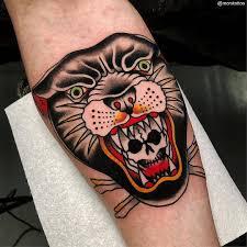 яркая традиционная татуировка от Mors