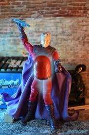 DrunkWooky Action Figure Review: Mezco Toyz One:12 Collective Magneto –  DrunkWooky.com