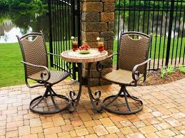 outdoor bistro table and chairs