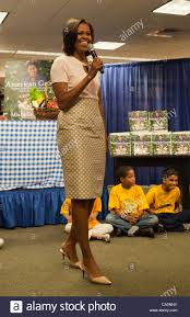 Kitchen Garden Book Washington Dc Usa First Lady Michelle Obama Signs Her Book Stock