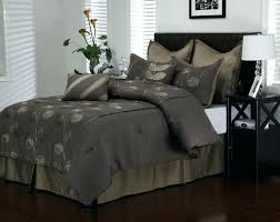 black bedding set dark brown with light combinations also leaves pattern placed on the bed comforter