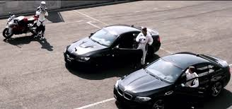 Video: BMW S 1000 RR vs BMW M3 E92 vs BMW M5 F10