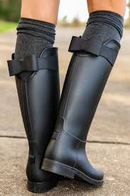 best 25 black rain boots ideas on black hunter boots sealed with a bow rain boots black all boots all shoes the