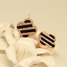 <b>Fashionable</b> Crystal Stripe <b>Clover Shape</b> Women's <b>Fashion Earrings</b>