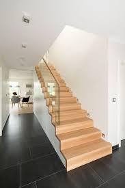Das sortiment von paltian treppenbau umfasst treppen in gerader oder gewendelter form und in den unterschiedlichsten bauarten. Treppen Preise Was Kostet Der Bau Einer Treppe Bathe Treppen