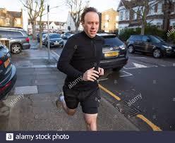 Am 18th. Februar 2021 verlässt der Kabinettsminister matt Hancock sein Haus  in West-London Stockfotografie - Alamy