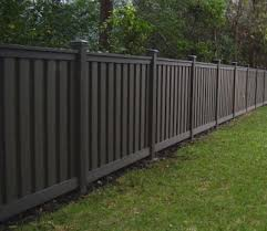 More good-looking yet affordable prefab fence ideas: