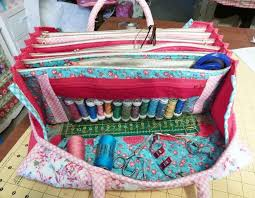 My Quilters Bee Bag | Bees, Bag and Bag sewing patterns & My Quilters Bee Bag Adamdwight.com
