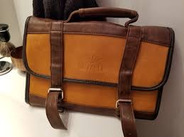vetelli leather hanging toiletry bag