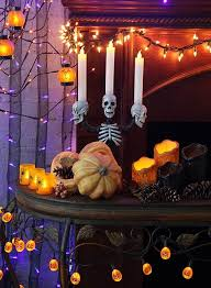 Spooky-Halloween-Lighting-Candles-Decoration-Ideas-_77