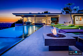 matthew perry residence e2 80 93 9010 hopen place los angeles ca