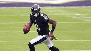 Lamar Jackson von den Baltimore Ravens ...