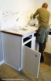 removing kitchen cabinet countertops