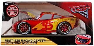 disney cars cars 3 rust eze racing center lightning mcqueen exclusive cast car