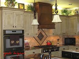 Antique Style Kitchen Cabinets White Vintage Style Kitchen Cabinets
