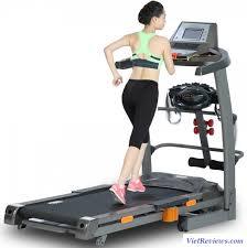 tự tập luyện với máy chạy bộ tại nhà