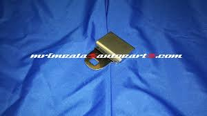 94 95 impala ss ca seat belt buckle rear male end