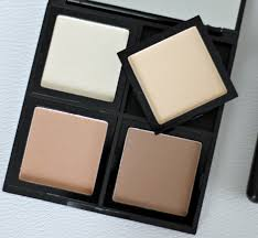 elf contour kit swatches. packaging: the palette is in a square black casing that quite sturdy and slightly bigger than my hand. inside, there are four squares for each of elf contour kit swatches e