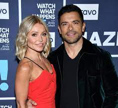is Kelly Ripa and what is her net worth ...