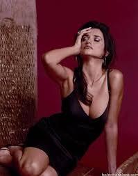 Penelope Cruz Hot Photos And Wallpapers In Bikini