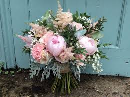 if like us here at ashover you re are pretty clueless when it comes to wedding flowers or any flowers for that matter do not fear for avant garden event