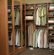 custom walk in closets designs