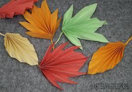 Papier Falten Für Bunte Herbstblätter Basteln Mit Kindern дитячі