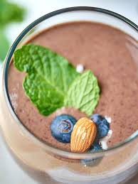 this chocolate berry green protein smoothie is so tasty naturally sweetened and packed full