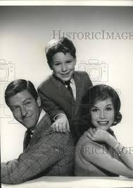 mary tyler moore 1963. Contemporary Tyler 1963 Press Photo Dick Van Dyke Mary Tyler Moore Larry Matthews  Cvp11130  For Moore E