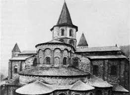 Реферат Культурные достижения средневековой Западной Европы Архитектура v viii веков обычно проста за исключением зданий в Равенне Италия возведенных по византийским правилам Здания часто создавались из