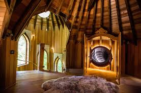 blue-forest-treehouse-interior-design-award-1