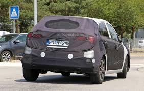 2018 hyundai i20. brilliant hyundai spyshots 2018 hyundai i20 facelift looks set to adopt family grille intended hyundai