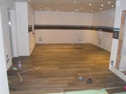 Stilvoll Deckenpaneele Küche Streichen Wandverkleidung In Einer ...