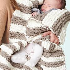 Bernat Blanket Yarn Patterns Knit Beauteous Bernat In A Wink Baby Blanket Yarnspirations