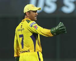 After csk defeated srh, dhoni took time out and engaged in a discussion with several young srh players. Ofz Yq8pyamghm